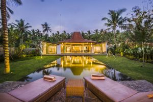 Villa Melaya Bali Strand Villa met Luxe